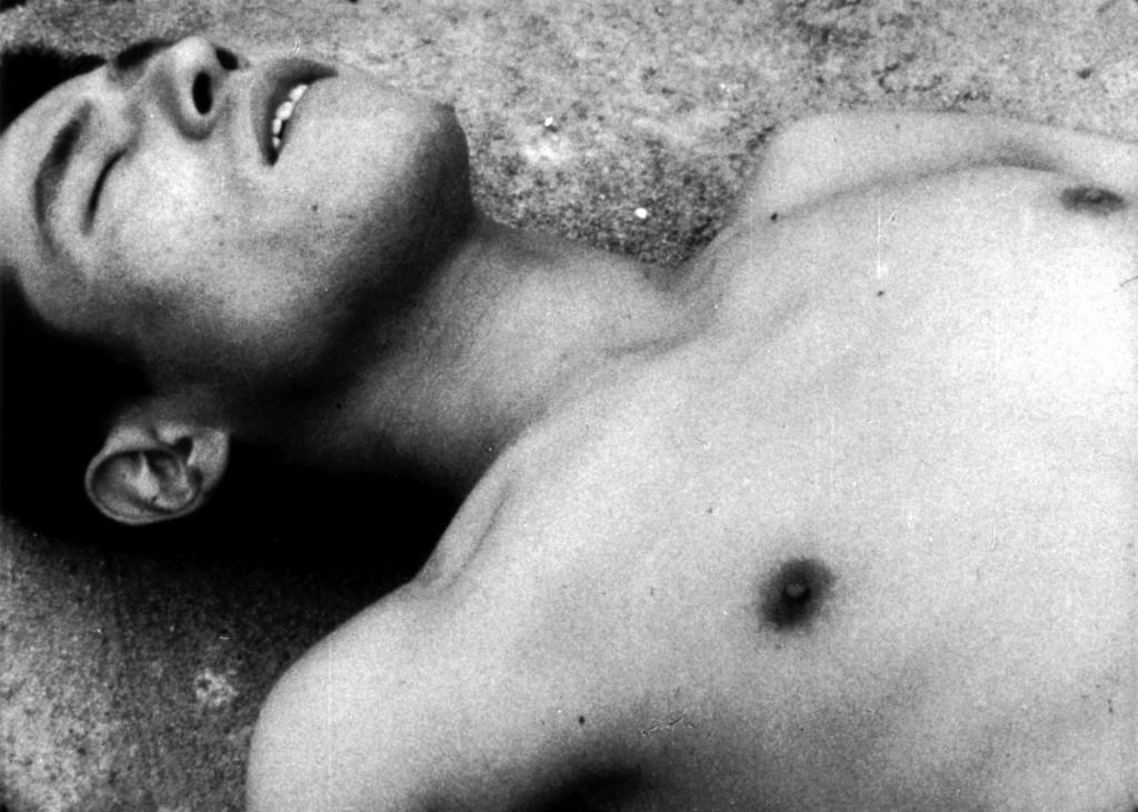 『死んだ少年』©タゲレオ出版