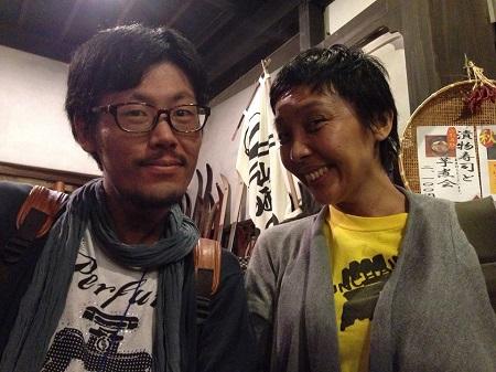 ディレクターの藤岡朝子さんとわたし(写真=山岡瑞子さん)