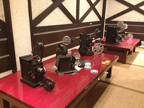 http://webneo.org/wp-content/uploads/2015/01/Kansai-Cinema-Report_03.jpg